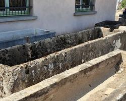 exceptionnel bassin de village en calcaire 18ème