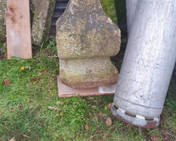 chapeau de pilier en gres