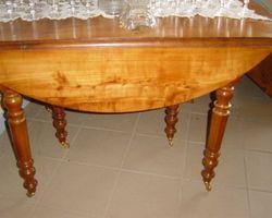 Table 6 pieds en cerisier ( Louis Philippe)
