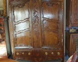 "Exceptional wardrobe in the valley of the seille known as ""Pontoise""  early 19th century oak"
