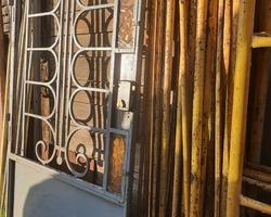 Porte d'entrée en fer forgée