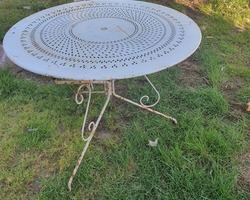 Ancienne table ronde de jardin