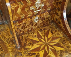Exceptional 18th office entirely inlaid
