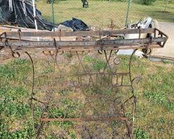 Jardinière en fer forgé