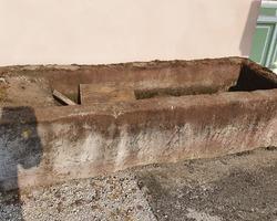 Ancien bassin en grès rose des Vosges