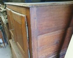 Double-door oak kneader