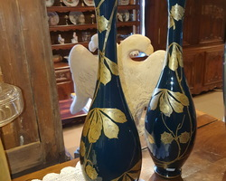 Paire de grand vases à décor en dorure fin 19ème