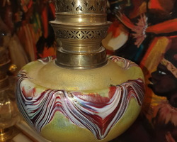 Oil lamp with its LOETZ glass paste tank
