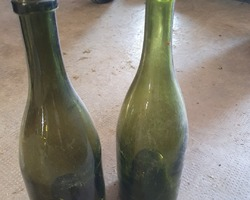 Lot of green blown glass bottles  early 19th century
