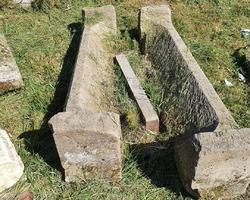 2 linteaux de cheminée en grès des Vosges 18ème