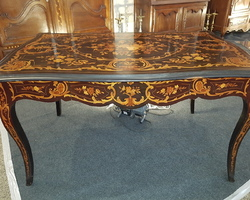 Magnificent Napoleon III period center table   Exceptional marquetry work