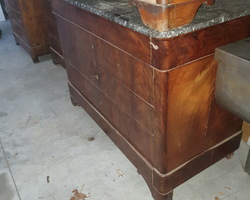 Louis Philippe period chest of drawers in Cuban mahogany