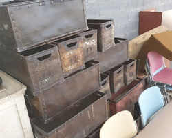 Old boxes used in a Vosges spinning mill in the early 1900s