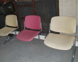waiting room including 2 benches 3 places and 3 chairs  by Italian designer PERETTI made by Castelli  from the 50s / 60s  in good condition