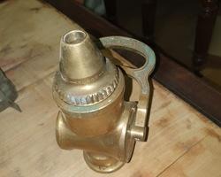 Embout en bronze de lance de pompier début 1900