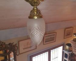 Lustre fit plafonnier en laiton et verre dépolit vers 1920