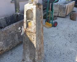 Colonne en grès des Vosges avec une niche 19ème