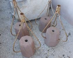 4 Plots en grès et armature métallique 19ème pour un chapiteau lors de la procession de la Pentecôte