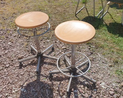 2 factory stools in wood and metal from the 60s / 70s  very good state