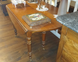 Round table 6 feet in cherry wood (diameter approximately 1.3m)  from the Louis Philippe period