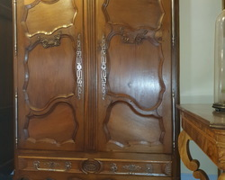 Lorraine cabinet with 3 oak drawers early 19th