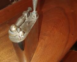 Briquet à essence dit de table vers 1920/1930