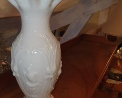 Vase en opaline blanche fin 19ème