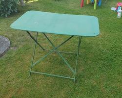 Table de jardin rectangulaire en métal pliante