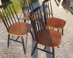 Suite de 4 chaises Suédoise TAPIOVAARA des années 60