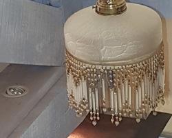 plafonnier des années 20 en verre dépolit et monture bronze