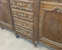 Lorraine walnut sideboard with 3 central spring drawers early 19th