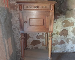 1910/1920 bedside table  Oak  marble floor