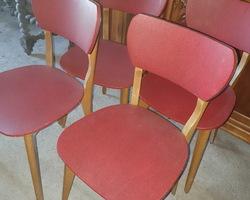 suite de 4 chaises des années 50