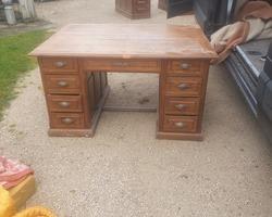 Double-sided oak child desk
