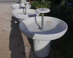 3 anciens laves mains d'école en faïence