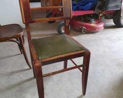 Suite de 4 chaises des années 50 designer francais