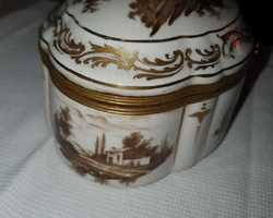 boite en porcelaine Rousset