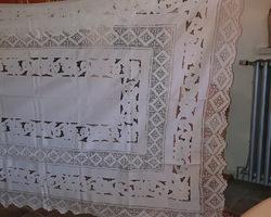 Nappe brodée et ses serviettes des années 30/50
