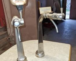 Bar 1960/1970 and its 3 stools