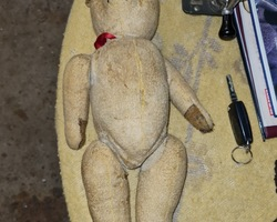 Teddy bear from the 50s in a very good state of conservation