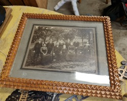 Wooden frame with family photo 1900 in oak  in very good condition