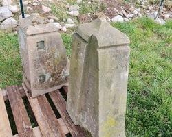 2 Piliers en grès pour dessus de mur
