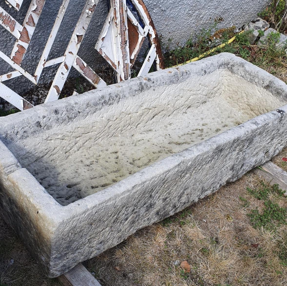 Basins in natural stone, old stone Sébastien Napoli Expert