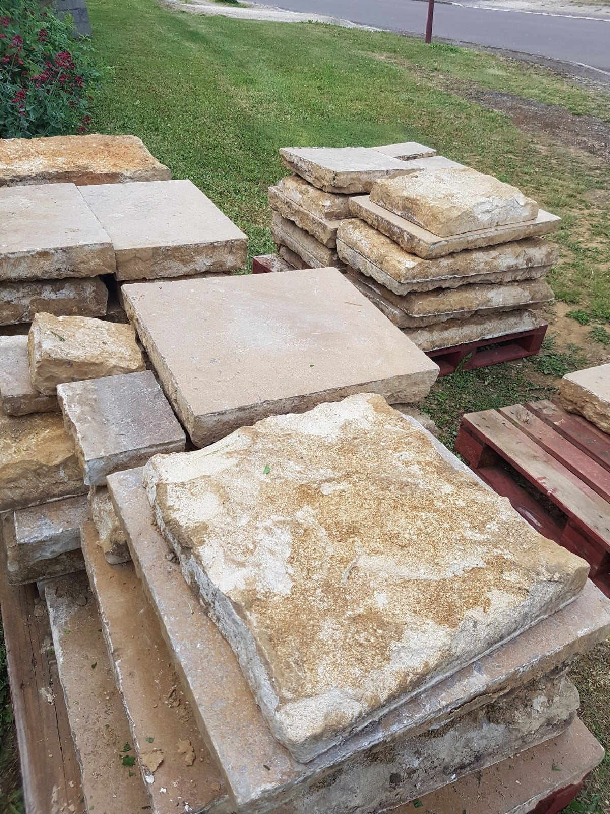 DISCOVER A SELECTION OF OLD SLABS